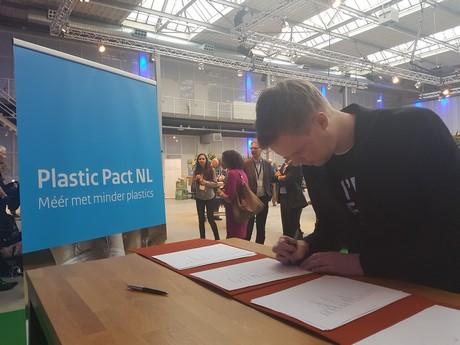 Ondertekening van het Plastic Pact
