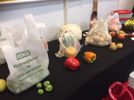 Reusable bags positioned as a low-priced alternative to vegetable