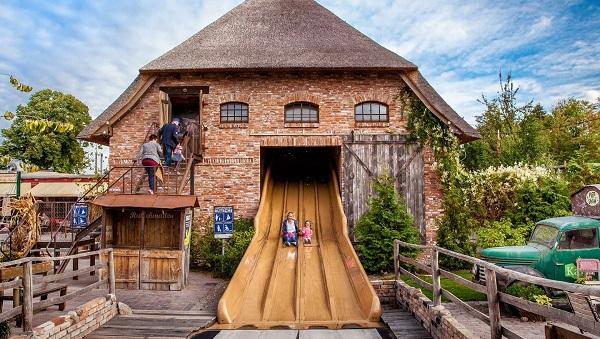 Karls Erlebnis-Dörfer bieten Familien-Erlebnisse im landwirtschaftlichen Ambiente. (Foto: Karls)