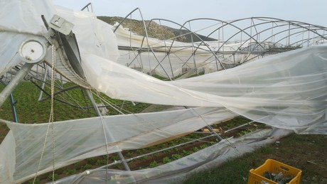 Italy: Whirlwind damages farms in central Italy