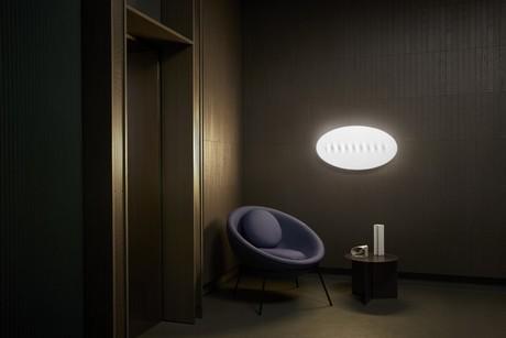 Wanddecoratie Met Licht : Lamp doet ook dienst als wanddecoratie
