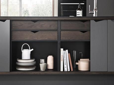 Zwart Keuken Kvik : Minimalistische keuken waar scandinavische materialen de zwarte